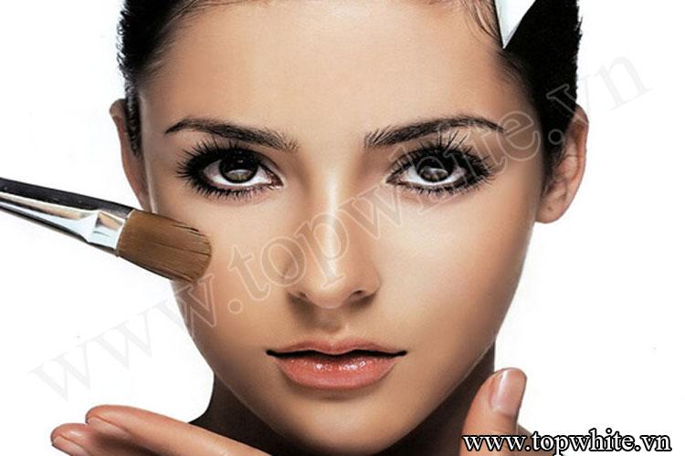 ngày nay trang điểm (make up) không còn là chuyện xa lạ với chị em phụ nữ