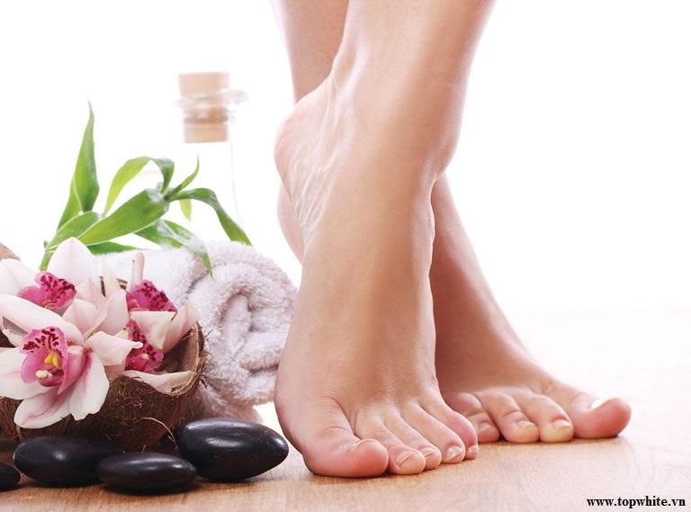 Top White và lời khuyên chăm sóc da gót chân đúng cách