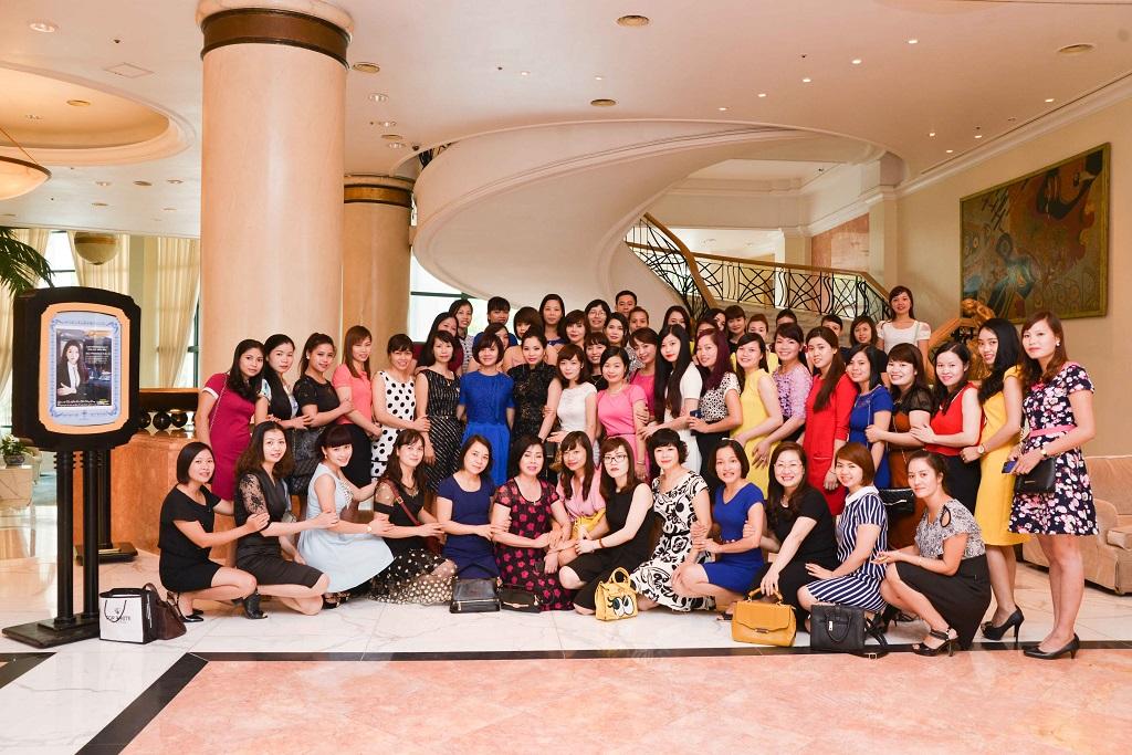 Top White Tổng giám đốc Cao Thị Thùy Dung tập huấn Đại lý