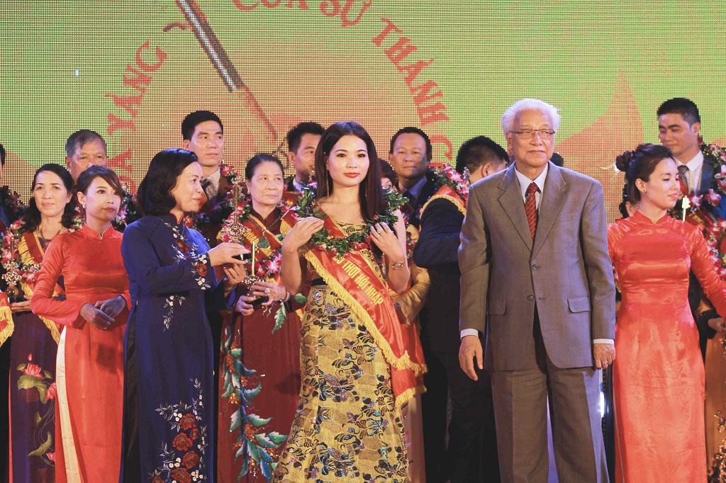 Tổng giám đốc mỹ phẩm Top White Cao Thị Thùy Dung