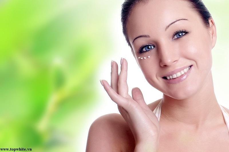 Top White khuyên bạn nên sử dụng mỹ phẩm chống lão hóa da mắt