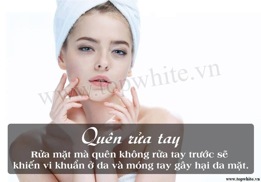Top White khuyên bạn nên rửa sạch tay trước khi rửa mặt