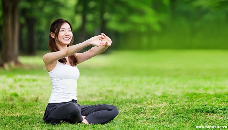 Top White khuyên bạn có thể thiền định để giải tỏa stress