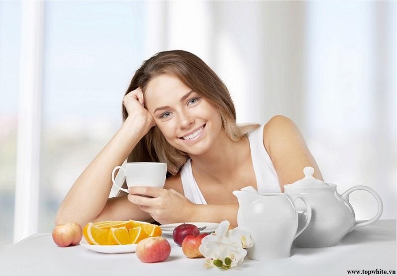 Top White khuyên bạn có thể dùng trà thảo mộc để thư giãn tinh thần