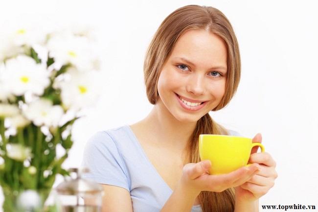 Top White khuyên bạn nên dùng trà hoa cúc giúp an thần dễ ngủ