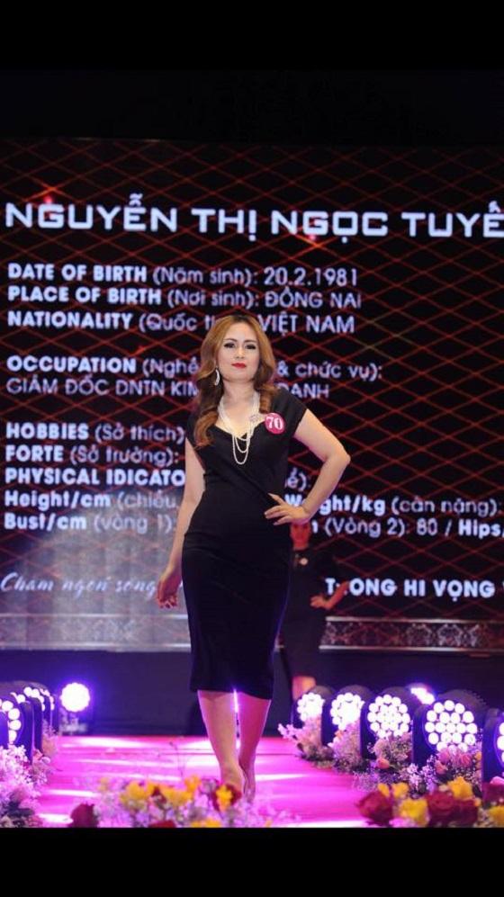 top-white-doanh-nhan-nguyen-thi-ngoc-tuyet-hoa-hau-doanh-nhan-the-gioi-nguoi-viet-5