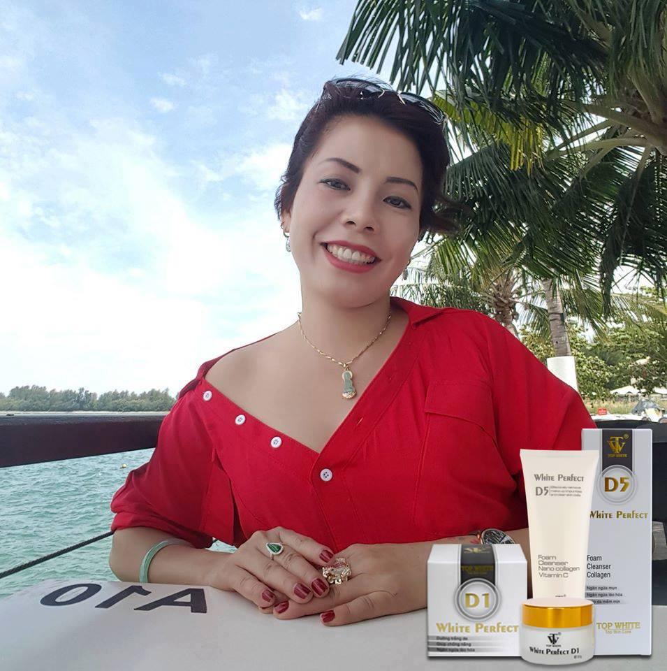 mỹ phẩm top white khách hàng singapore